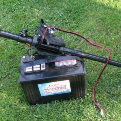 Какой аккумулятор для лодочного электромотора выбрать?