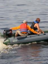 Двухместная или трехместная надувная лодка ПВХ: какую выбрать?