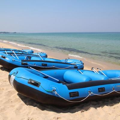 Какую лодку лучше купить – резиновую или ПВХ?